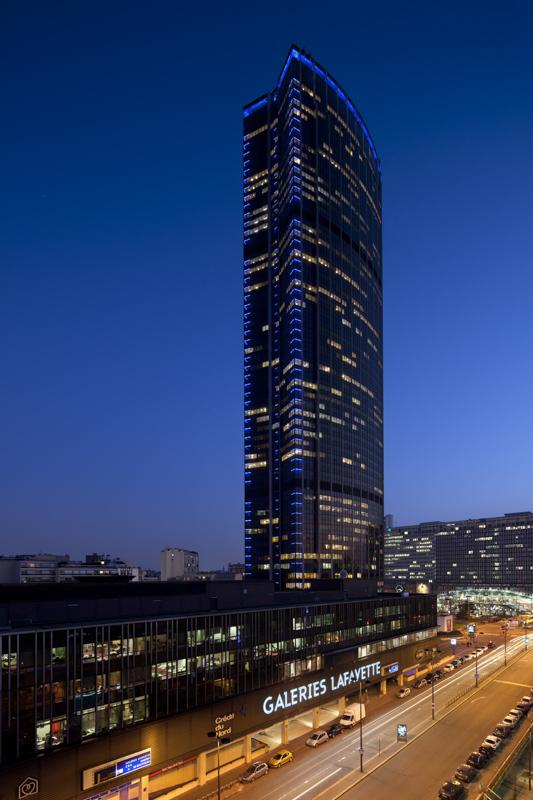 Tour Montparnasse pour Philips Lighting- Concepteur lumière: L'Agence Lumière