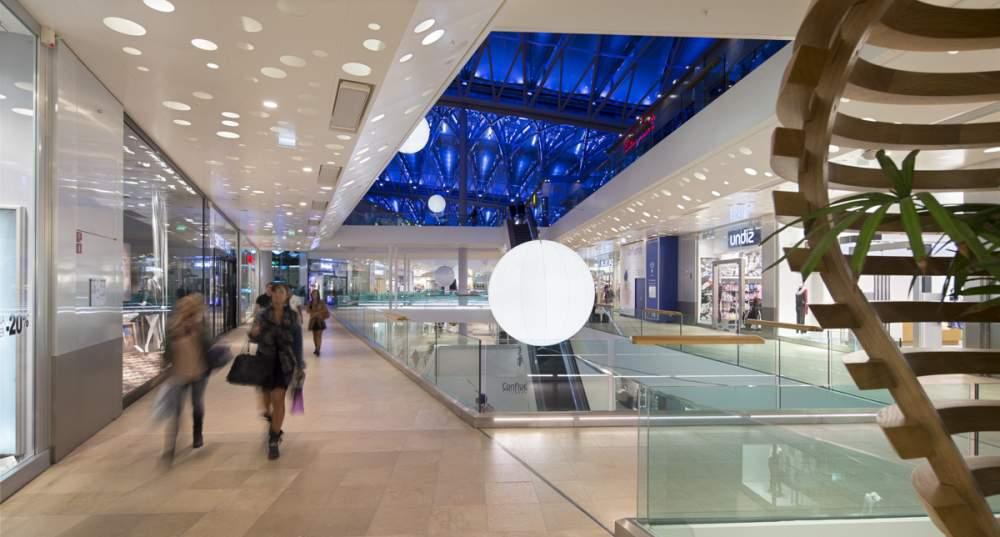 Centre commercial Confluence à Lyon pour Vinci Energies et Citeos