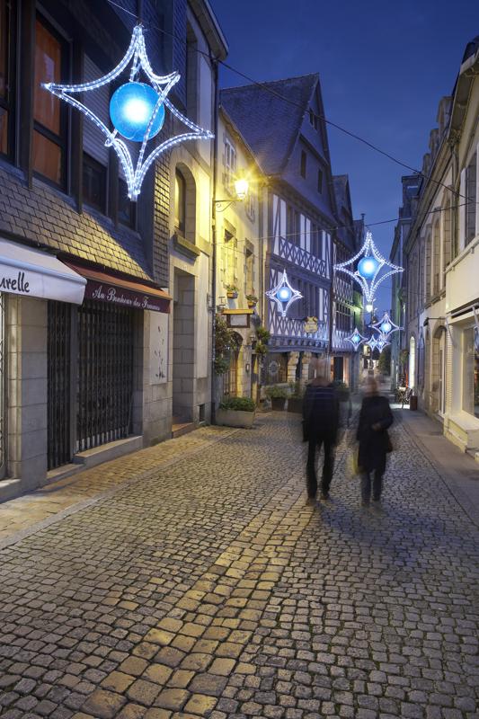 Eclairages festifs ville de Quimper pour Citeos