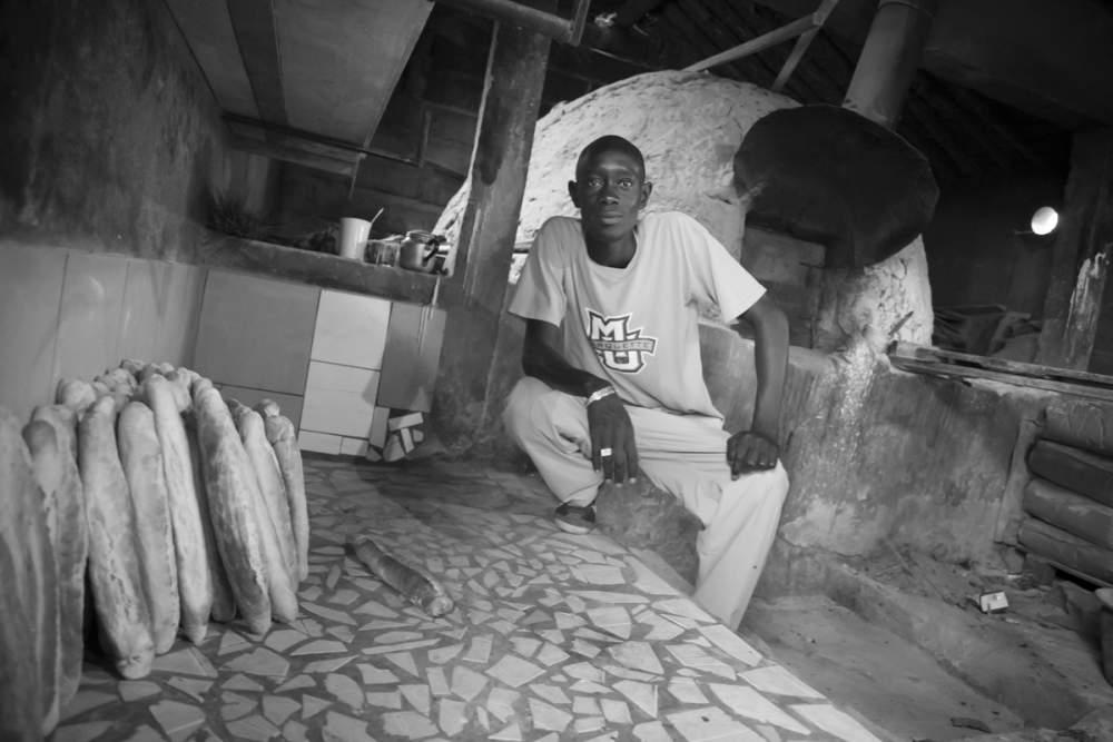 Le boulanger du village fait le meilleur pain que j'ai mangé hors de France, à Dionewar, Delta du Sine-Saloum