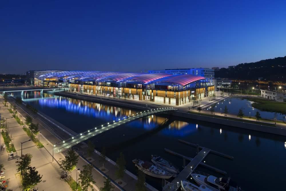 Centre commercial Confluence à Lyon, France pour Vinci Energies et Citeos