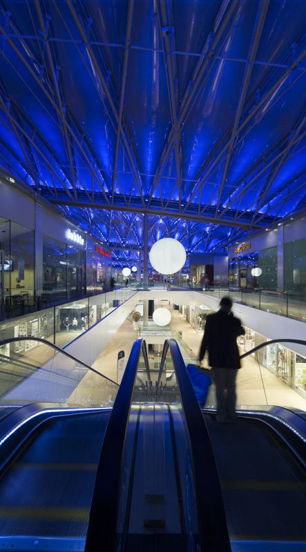 Centre commercial Confluence à Lyon, France pour Vinci Energies et Citeos pour Vinci Energies et  Citeos