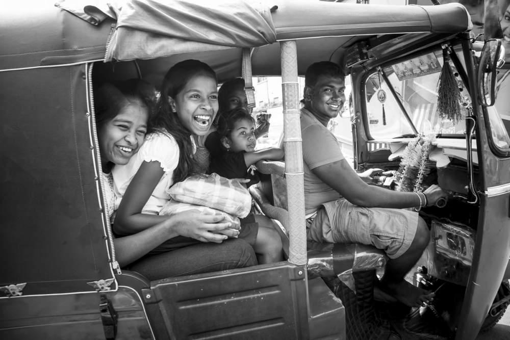 Chauffeur de tutuk de Colombo, Sri Lanka
