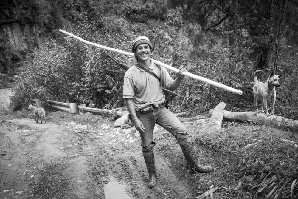 Rencontre dans la jungle avec un chasseur, près de Cambulo, Luzon