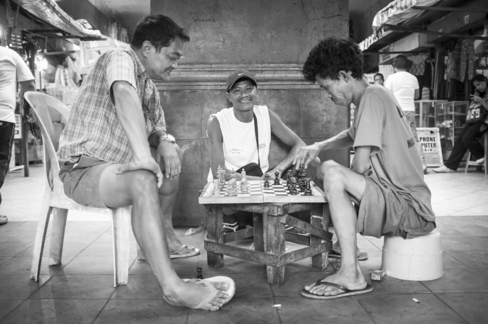 Partie d'échec dans les rues de Manille, Philippines