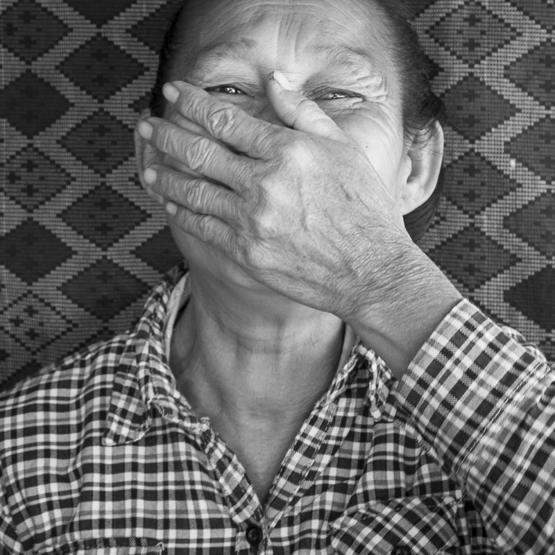 Tisseuse dans un village du côté de Louang Namtha