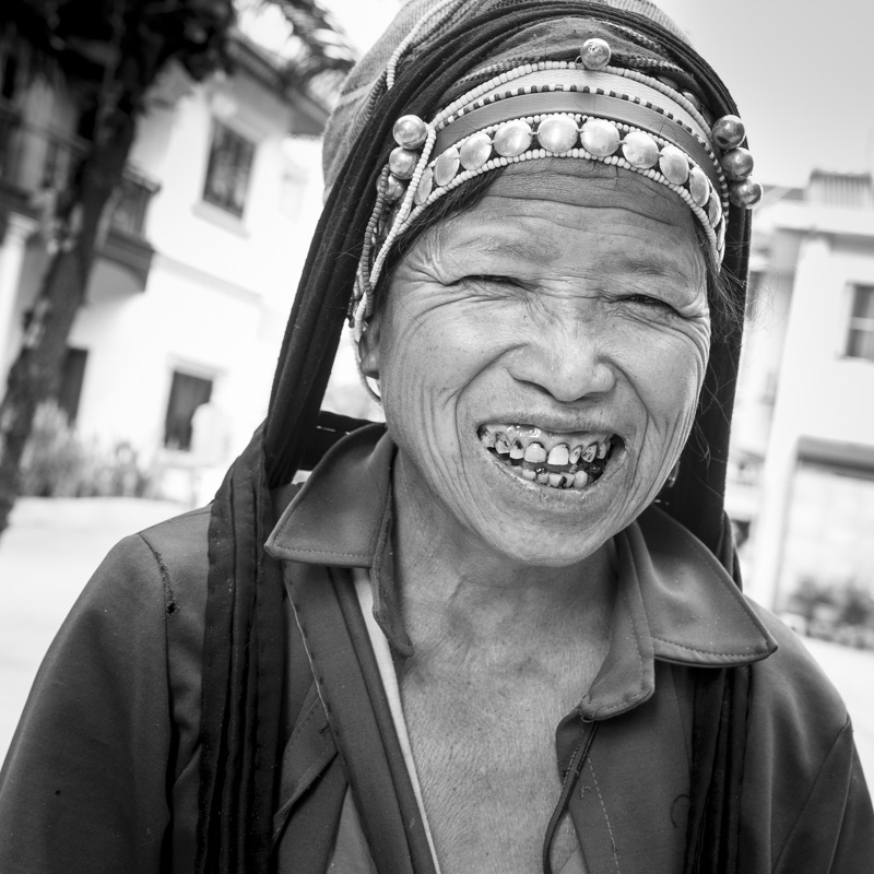 Femme Akha à Louang Namtha