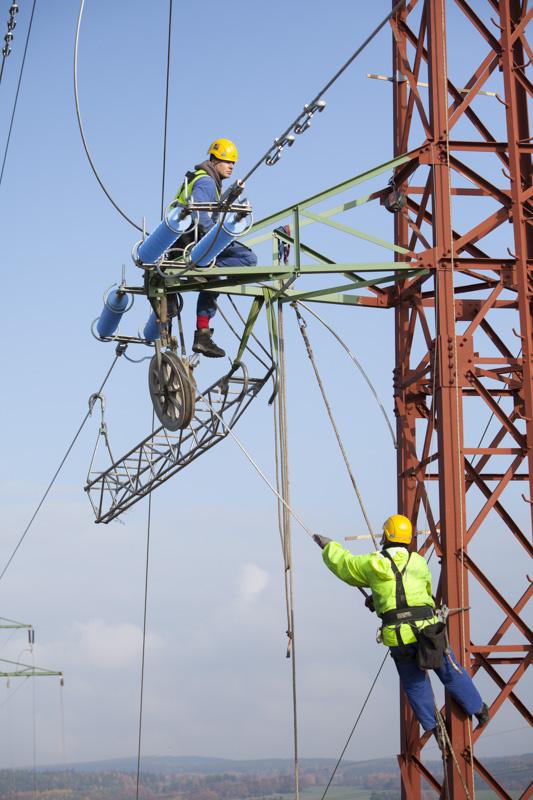 Travaux sur réseau THT en Tchéquie pour Vinci Energies