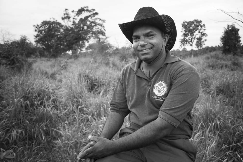 Gardien de réserve, Hurulu Eco Park, Habarana, Sri Lanka