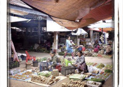 Sur le marché, Laos