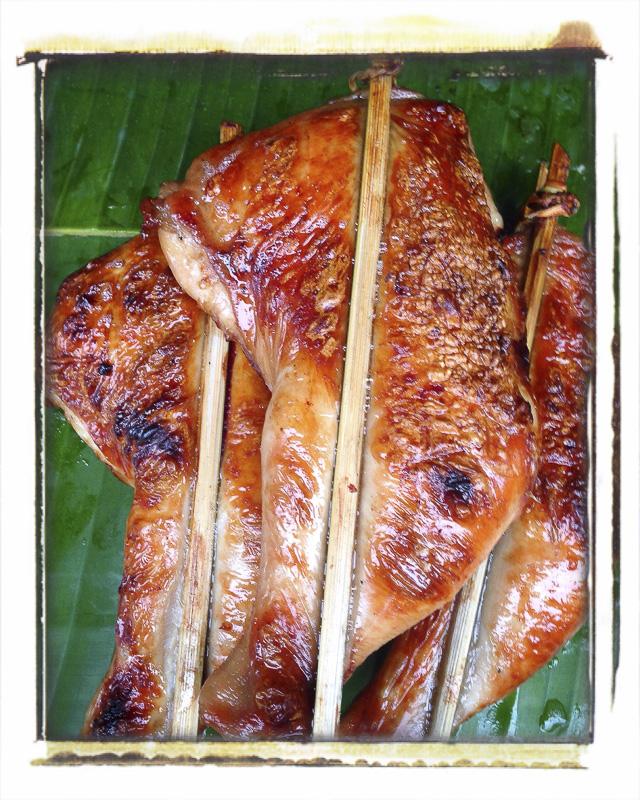 Brochettes de poulet, marché de Louang Prabang, Laos