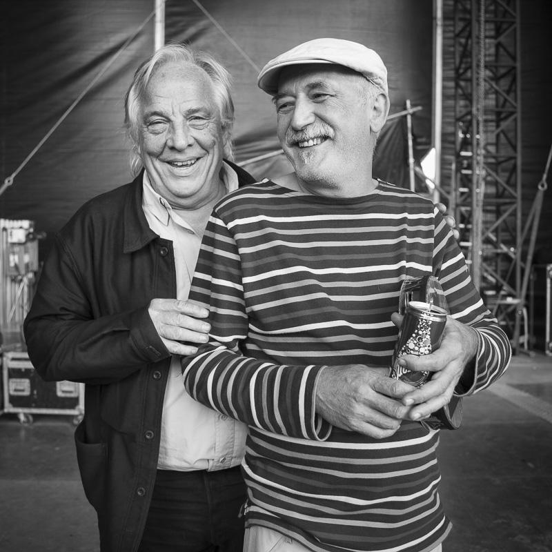 Daniel Mermet et  André Minvielle en backstage