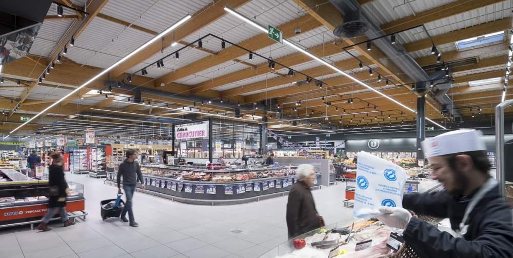 Hyper U de Romans sur Isère pour Philips Lighting